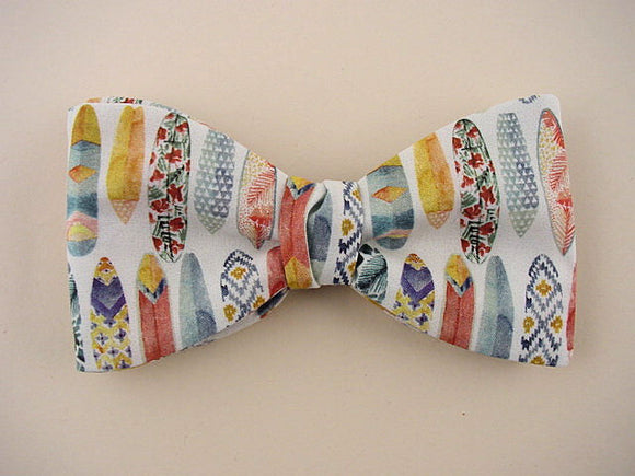 Surfboards Pattern Bow Tie. Hawaiian Bowtie