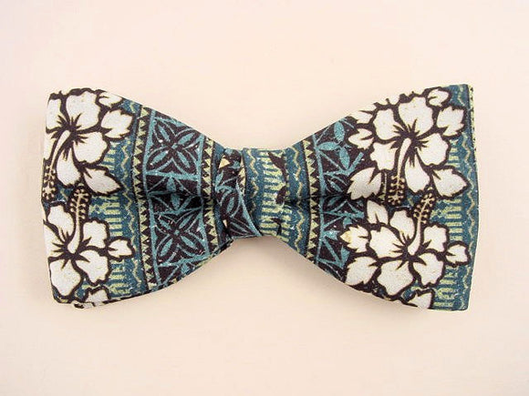 Hawaiian flower Bow tie. White Hibiscus on green and blue