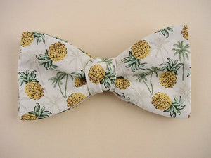Pineapple and palm tree bow tie