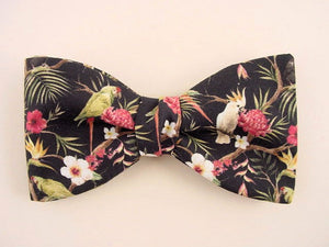 Tropical parrots and Hawaiian Flowers and Leaf. pattern bow tie.