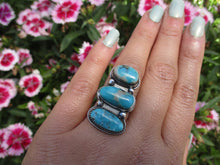 Load image into Gallery viewer, Nacozari Turquoise Triple Stone Ring - Size 7 1/4 - Sterling Silver - Gem & Tonik