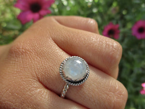Round Moonstone Ring - Size 8 1/4 - Gem & Tonik