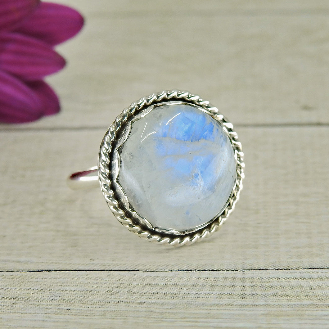 Blue Moonstone Ring - Size 8 1/4 - Sterling Silver - Gem & Tonik