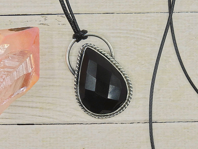 Faceted Black Onyx Pendant - Gem & Tonik