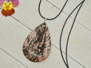 Rhodonite Pendant - Gem & Tonik