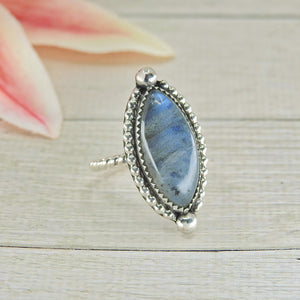 Blue Labradorite Ring - Size 5 1/2 - Sterling Silver - Gem & Tonik