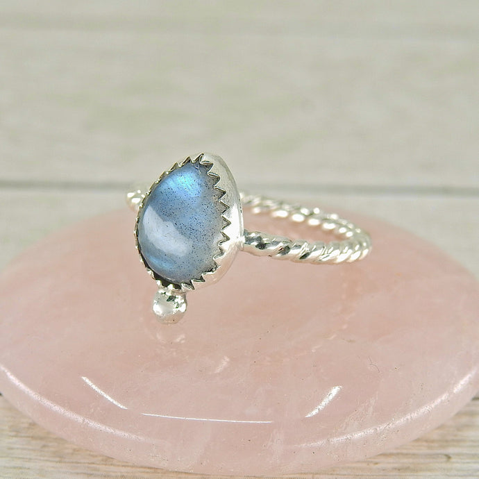 Blue Labradorite Ring - Size 7 - Sterling Silver - Gem & Tonik