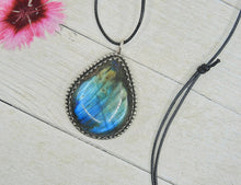 Load image into Gallery viewer, Blue Labradorite Pendant - Sterling Silver - Gem & Tonik