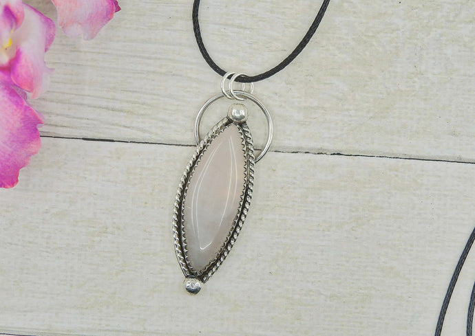 Marquise Rose Quartz Pendant - Gem & Tonik
