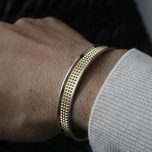 THE GOLDEN PYRAMIDS CUFF Hetariki Jewellery