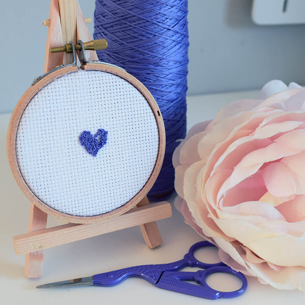 How to stitch a French knot