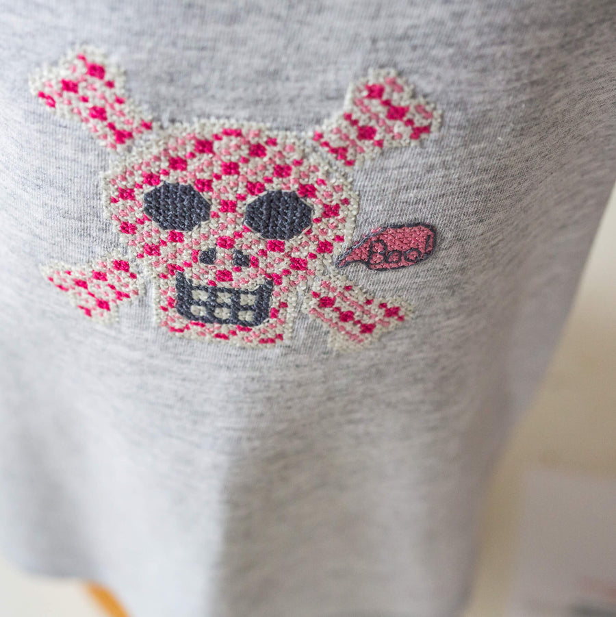 Glow in the dark pink skull t-shirt