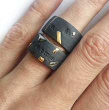 Load image into Gallery viewer, Black Porcelain Ring