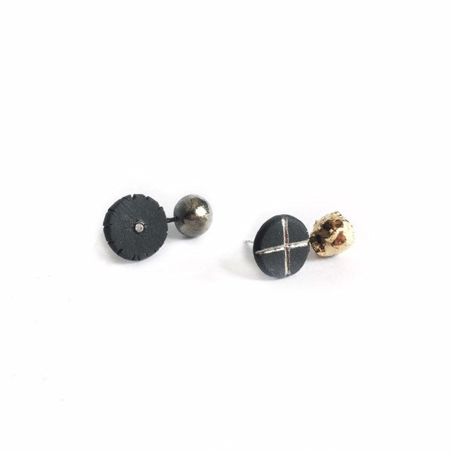 Black porcelain assymmetric earrings