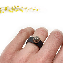 Load image into Gallery viewer, Black porcelain ring with a platinum bubble