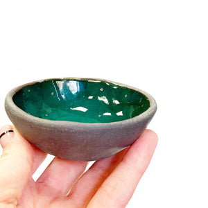 Dark ceramic midi bowl with a golden heart