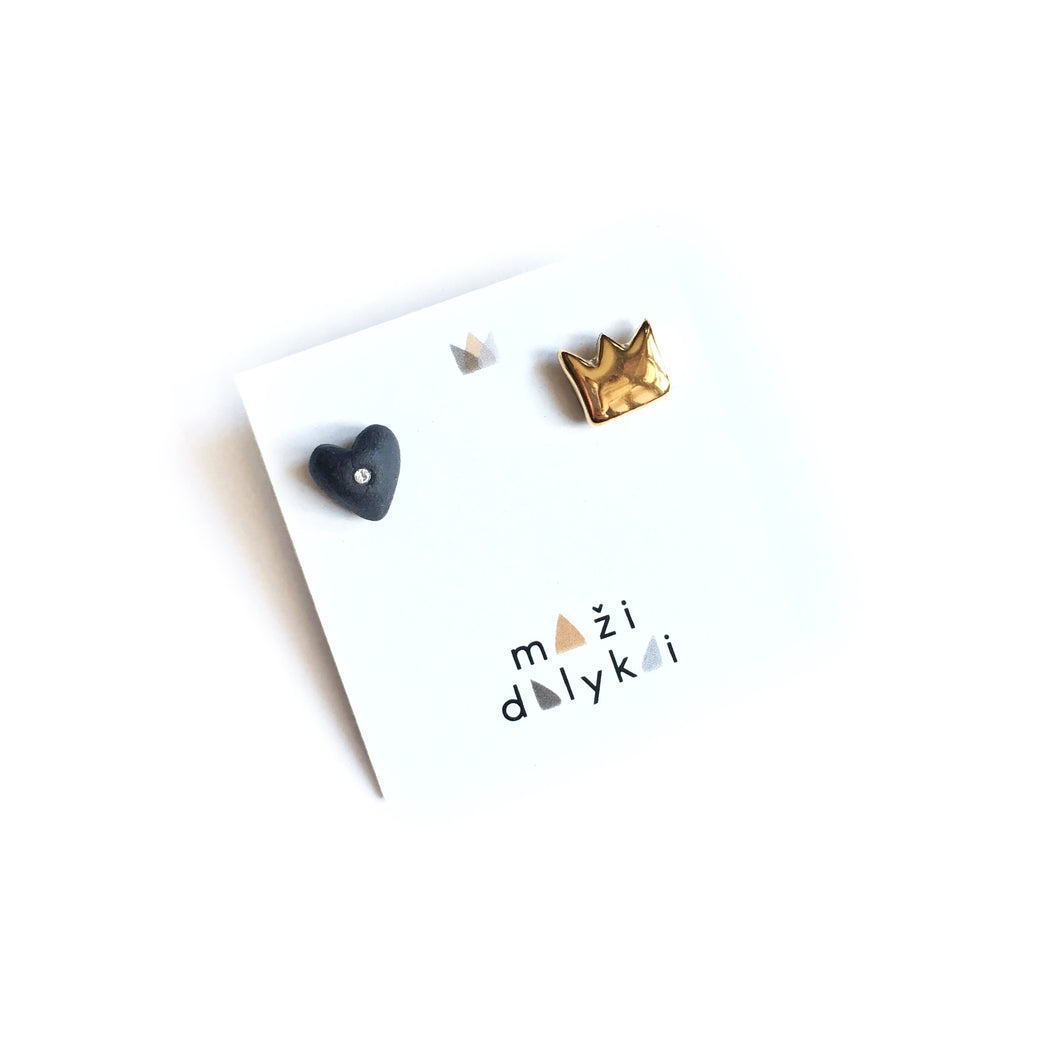 Black porcelain heart and golden crown mismatched earrings