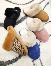 Load image into Gallery viewer, Cheetah Faux Fur Slippers