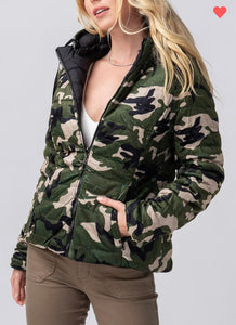 Reversible Camo Hooded Puffer Jacket-(Small to XL)
