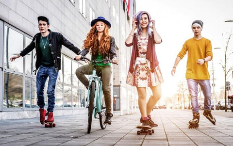 Influence of fashion and trends over the lives of students