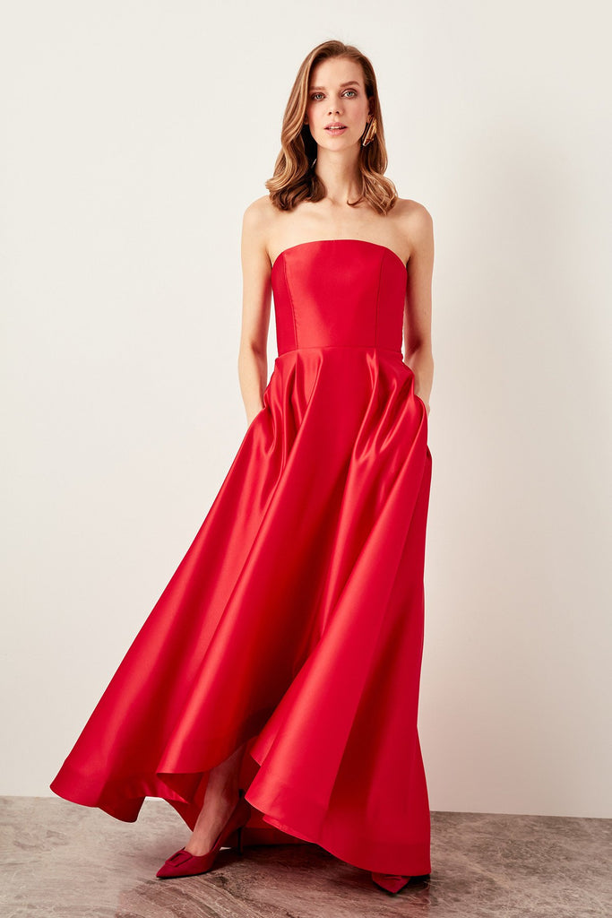 Bateau Neckline Strapless Long Evening Dress TKTPRSS19DE0031