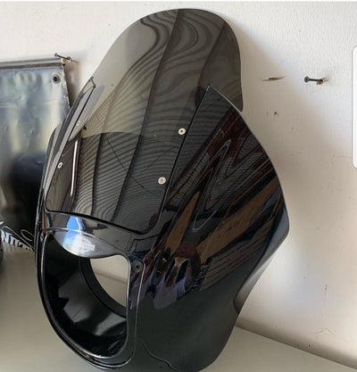tinted recurve 1/4 fairing windshield with hardware (fairing is for display purpose only)