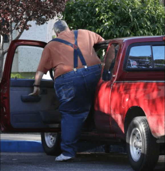 Obese Drivers Face Higher Risks in Cars