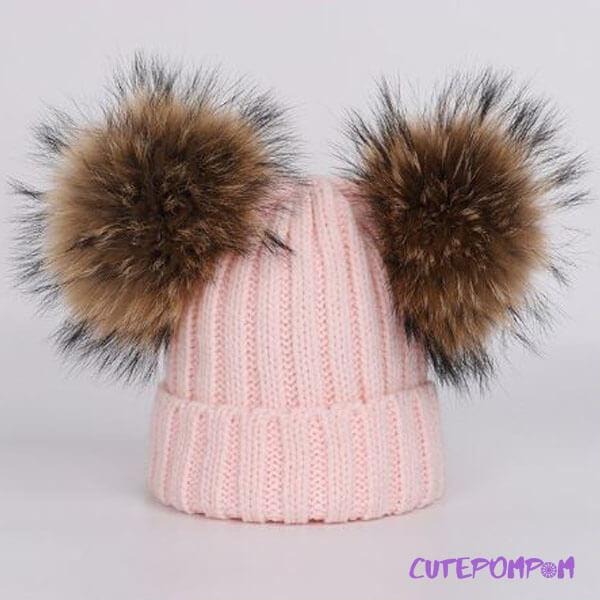 SET INCREDIBILMENTE CALDO: CAPPELLO E SCIARPA CUTEPOMPOM®