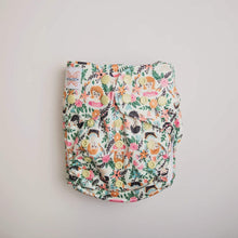 Load image into Gallery viewer, Monarch The Classic Nappy Flora Familia