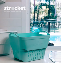 Strucket - strainer meets bucket