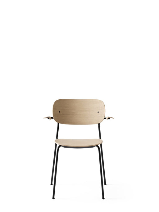 Menu Co Chair stol med armlene - Naturlig eik-Designfund.no