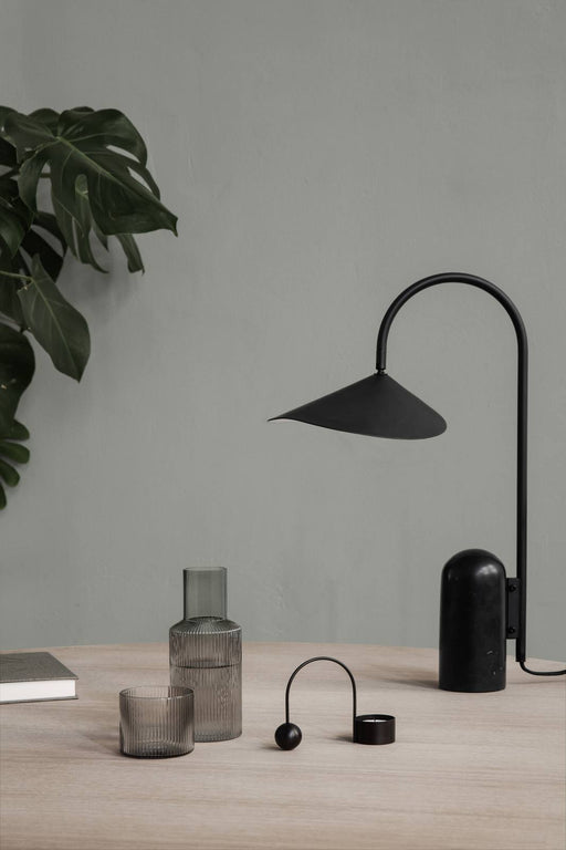 Ferm Living Arum bordlampe