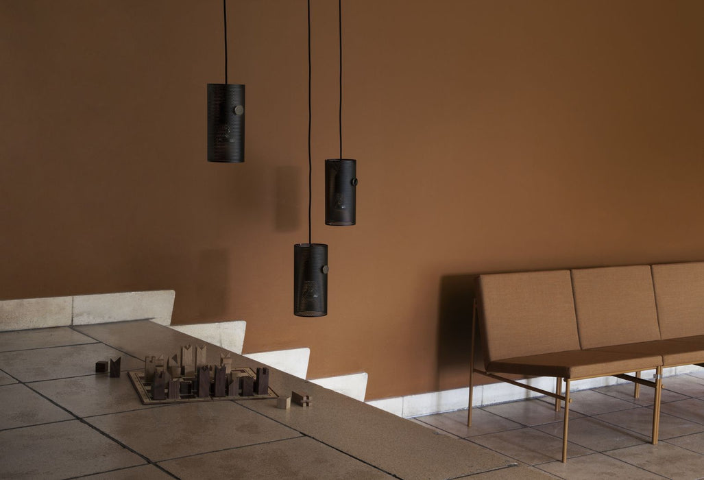 MUNK Collective TURN lampe - Svart-Designfund.no