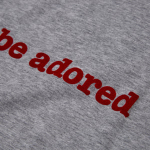 ADORED - FLOCKED - MARL / RED  ORGANIC TEE