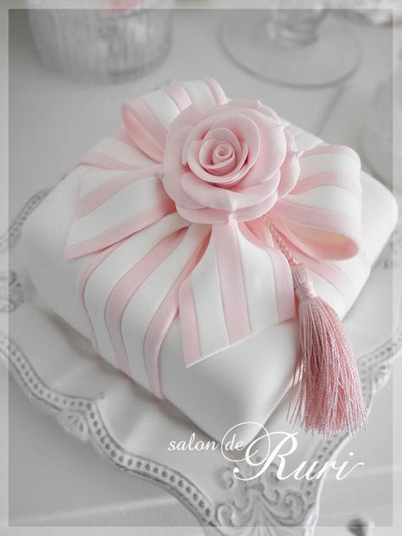 pink wedding gift box