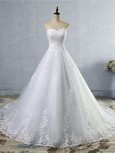 Lace Appliques Tulle Sweetheart Wedding Dresses A Line Court Train Bridal Gown WD389