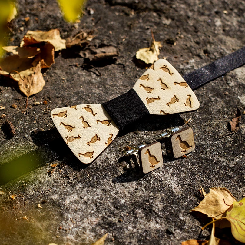 Wooden duck bowtie and cufflinks made from Finnish birch plywood