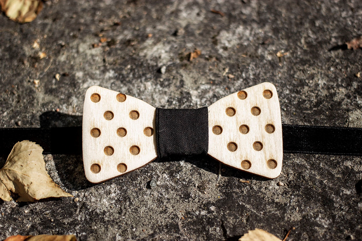 Wooden Bowtie & Cufflinks (dots)