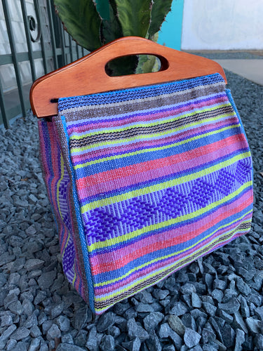 Handbag with handle handwoven