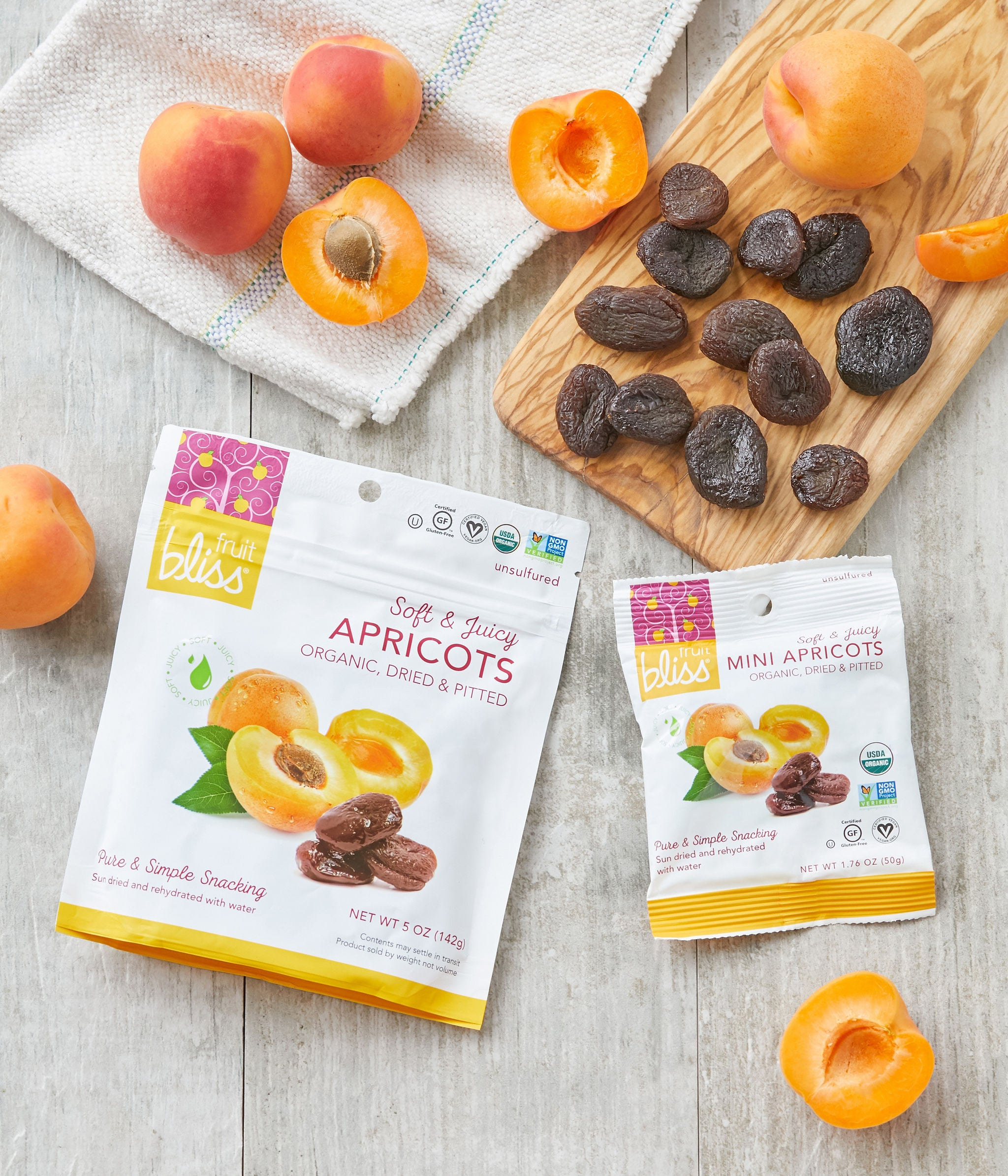 Fruit Bliss Organic Turkish Mini Apricot Snacks 1.76 oz. (Caddy of 12 Pouches)