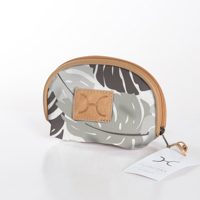 Thandana Makeup Bag Fabric / Leafing Around – Rabbit
