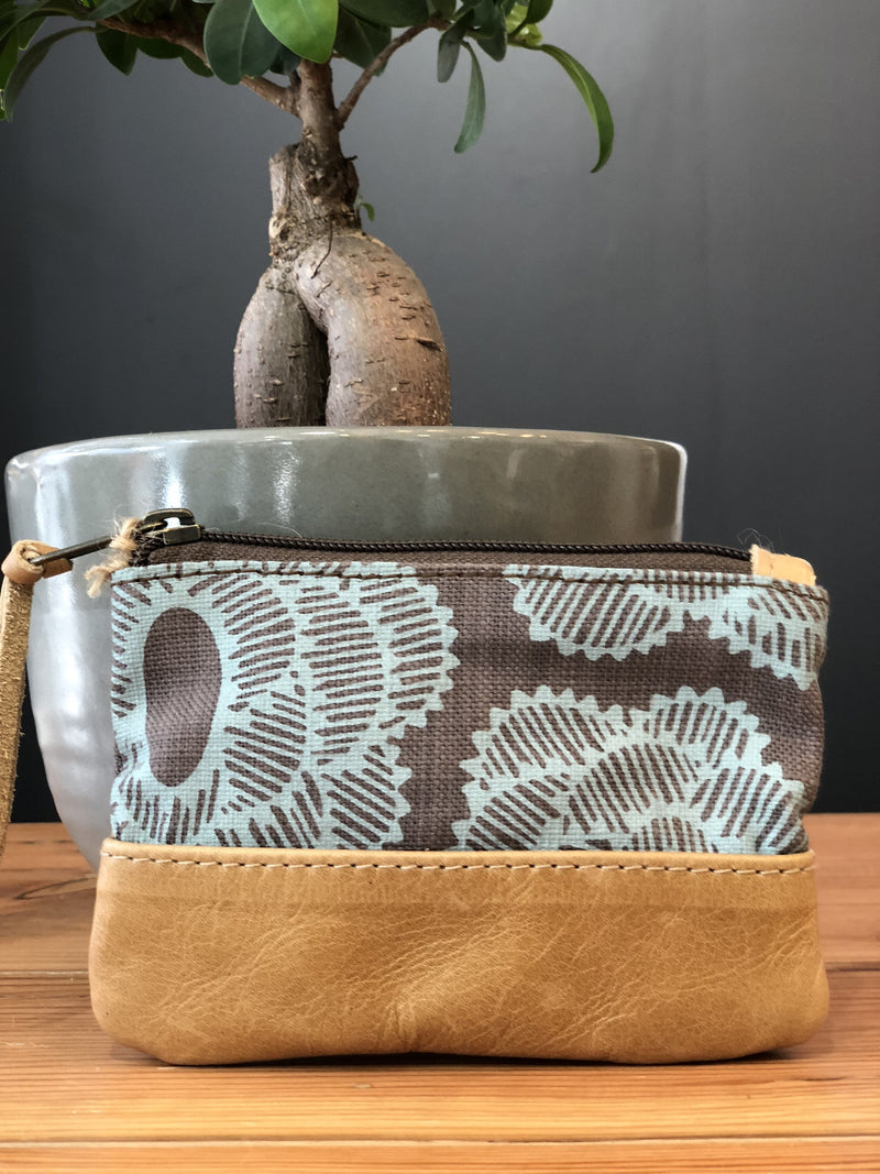 Peppertree Small Zip Purse Laura Prime Sky on Taupe