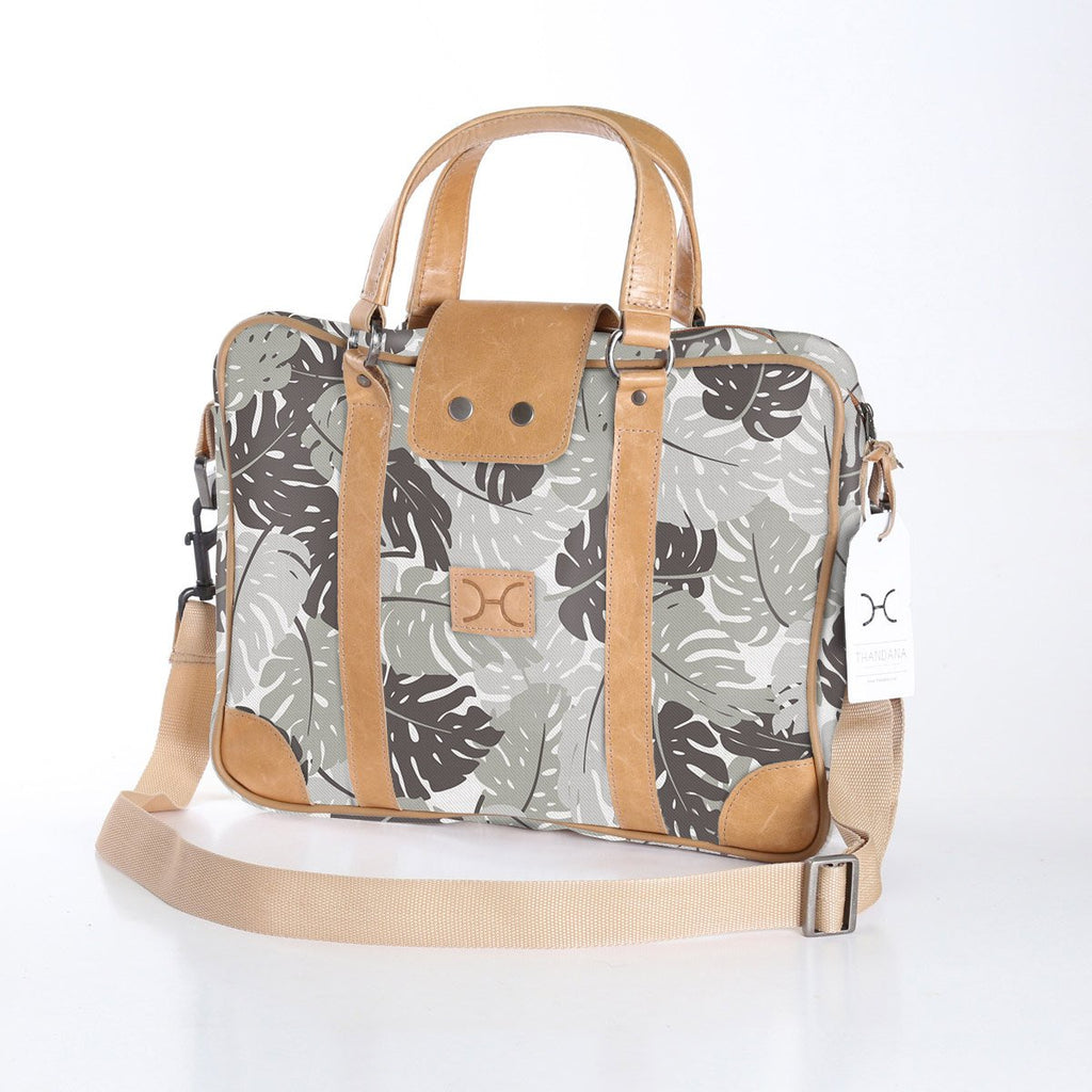 Thandana Laptop Fabric Bag Leafing Around - Rabbit