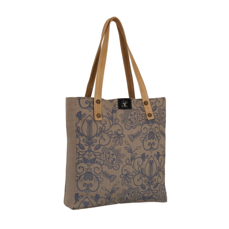 Peppertree Country Shopper / Filigree Prime Indigo  On Clay