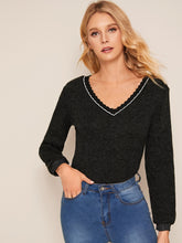 Load image into Gallery viewer, Scallop Trim V-Neck Skinny Sweater