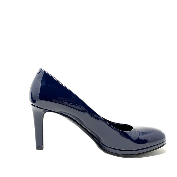 Gucci Patent Leather Round-Toe Pumps GG Navy Consignment Shop From Runway With Love