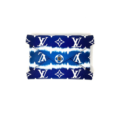 Louis Vuitton Escale Pochette Kirigami Limited edition Giant monogram Blue consignment shop from runway with love