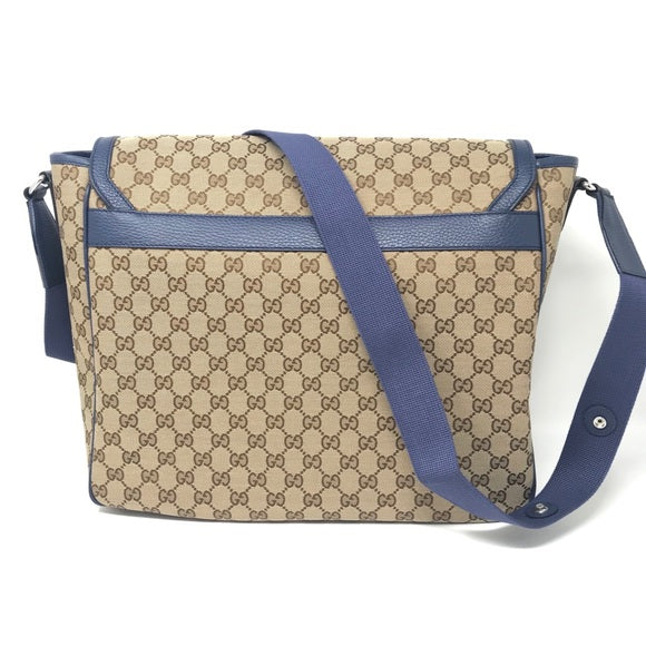 Gucci Diaper Bag in Blue mother changing pad