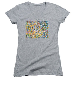 Tribute to Hirst - Women's V-Neck - ALEFBET - THE HEBREW LETTERS ART GALLERY