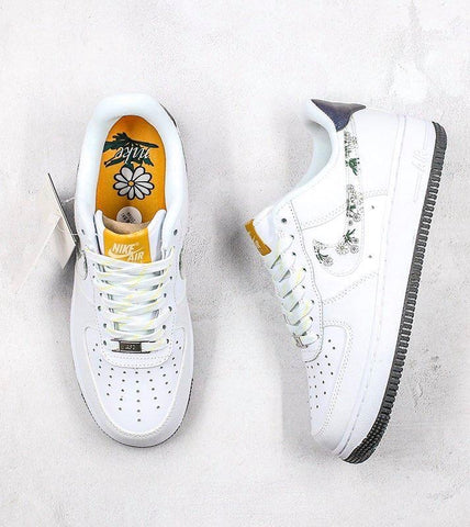 Air Force 1 SE 07 Daisy